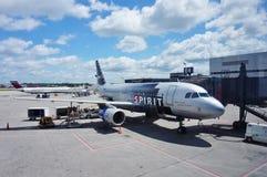 Ett flygplan för flygbuss A319 från andeflygbolag (NK) Arkivfoton