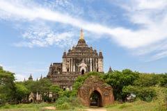 Ett forntida komplex för buddistisk tempel av Bagan i Myanmar Arkivfoto