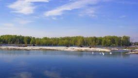 Ett foto av en flod i Italien royaltyfri foto