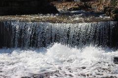 Ett foto av flöda Luda Mara River i Petrich Arkivbild