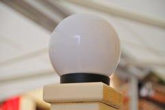 Ett foto av runda lampor Arkivfoto
