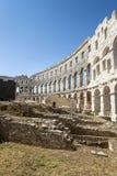 Ett fragment av den antika romerska amfiteatern i Pula Royaltyfri Foto