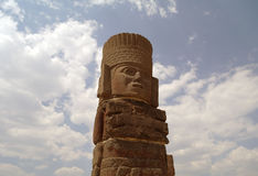 Ett fragment av en helig staty i Teotihuacan, Mexico Arkivfoto