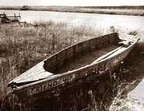 Ett gammalt förfallet radfartyg arkivbilder
