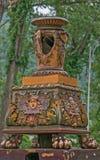 Ett gammalt garneringobjekt i en romanian drevstation denna drevstation är i Baile Herculane, Rumänien, Europa royaltyfri foto