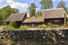 Ett gammalt svenskhus arkivbild