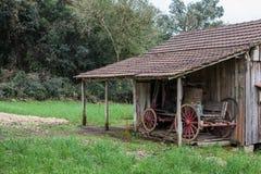 Ett gammalt trähus på Rio Grande do Sul - Brasilien Royaltyfria Foton