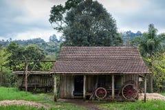 Ett gammalt trähus på Rio Grande do Sul - Brasilien Fotografering för Bildbyråer