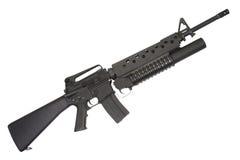 Ett gevär som M16A4 utrustas med en launcher för granat M203 Royaltyfria Foton
