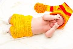 Ett gulligt nyfött behandla som ett barn att sova för flicka Behandla som ett barn sött lite ståenden Använd fotoet för att föres Fotografering för Bildbyråer