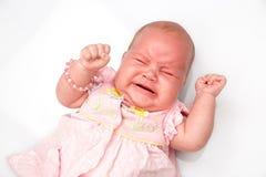 Ett gulligt nyfött litet behandla som ett barn att sova för flicka Royaltyfri Bild