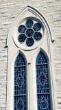Gammalt kyrkligt fönster Fotografering för Bildbyråer