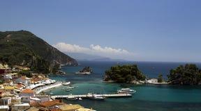 Ett härligt paradis i Grekland Parga royaltyfria foton