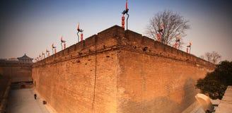 Ett hörn av den Xi'an stadsväggen Arkivfoto