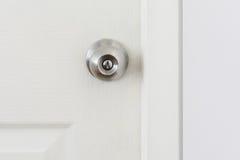 Ett handtag på en dörr Royaltyfria Bilder