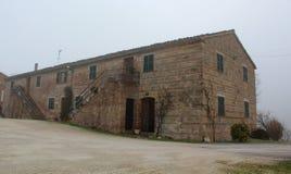 Ett hotell som göras av gammal jordbruks- byggnad, Fabriano, Italien royaltyfri fotografi