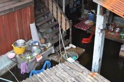Ett hus översvämmas i Bangkok på 05. November 2011 Royaltyfria Bilder