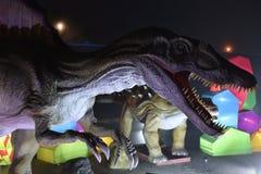 Ett huvud av dinosaurien Arkivfoto