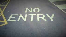 Ett inget tillträdestecken målade på en väg i Förenade kungariket Arkivbilder