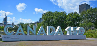 """Ett jätte- tecken för """"Canada 150†Arkivfoto"""