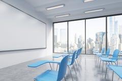 Ett klassrum eller ett presentationsrum i ett modernt universitet eller infallkontor blåa stolar royaltyfri illustrationer