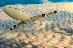 Ett kommersiellt flygplan p? flyg ?ver molnen royaltyfri illustrationer