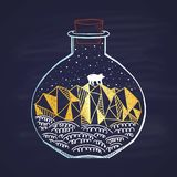 Ett kort målade i en krita i vinter i en liten flaska Glad jul och ett lyckligt nytt år 2018 Lyckligt ferietema Fotografering för Bildbyråer