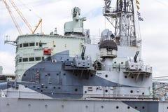 Ett krigskepp HMS Belfast på flodThemsen, London, Förenade kungariket arkivbilder