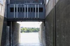 Ett lås på floden Rhone, Lyon, Frankrike Fotografering för Bildbyråer