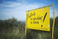Ett LAFD-tecken, som läser inget - röka, inga bränder Royaltyfria Foton