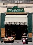 Ett lager av typiska Tuscanian mat och produkter Arkivfoto