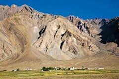 Ett landskap av den Zangla byn, Zanskar dal, Padum, Ladakh, Jammu and Kashmir, Indien Arkivbild