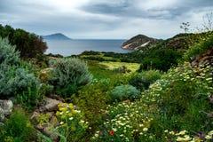 Ett landskap i Milos ö, Grekland royaltyfria foton