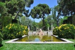 Ett litet damm i parkera Retiro Royaltyfria Bilder