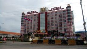 Ett lyxigt hotell och en kasino i mummel Tien, Vietnam arkivfoton
