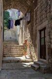 Ett möjlighetsmöte i den gamla staden Royaltyfri Fotografi