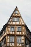 Ett medeltida korsvirkes- hus Arkivbild
