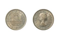 Ett 1953 nyazeeländskt mynt som firar minnet av kröningen av drottningen Elizabeth II royaltyfri fotografi