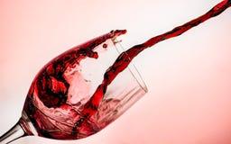 Ett nytt exponeringsglas av vin royaltyfri foto