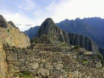 Ett ottafoto av Machu Picchu med inga personer på platsen, på en härlig dag i Maj royaltyfria bilder