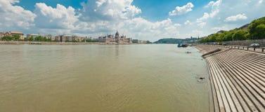 Danube River i Budapest Arkivfoto