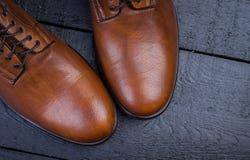 Ett par av trevliga bruna läderskor Royaltyfri Bild
