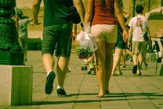 Ett par av vänner i Venedig Man och kvinna Fotografering för Bildbyråer