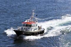 Ett pilot- fartyg Royaltyfria Bilder