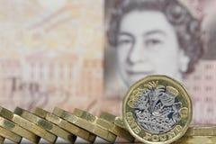 Ett pundmynt - brittisk valuta Royaltyfri Foto