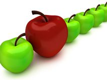 Ett rött äpple bland rad av gröna äpplen Fotografering för Bildbyråer