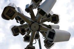 'Ett rede' av bevakningkameror Royaltyfri Foto