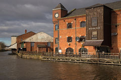 Ett renoverat gammalt lager på den Wigan pir Arkivfoton