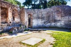Ett rum av domusen av förmögenhet Annonaria ett rikt romerskt imperialistiskt hus i forntida Ostia - Rome arkivbilder