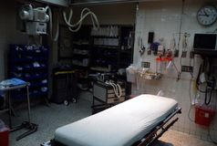 Ett sjukhustraumarum arkivbild